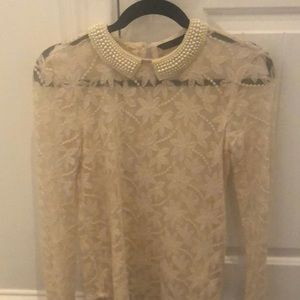 Pearl collar see they blouse